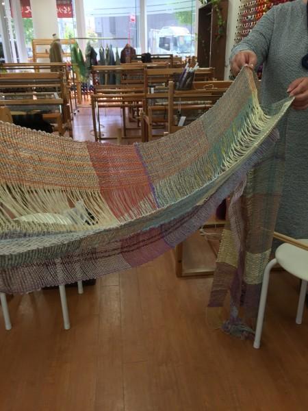 今週のお教室です👋 綿糸の涼しげなショールの完成でーす!😀