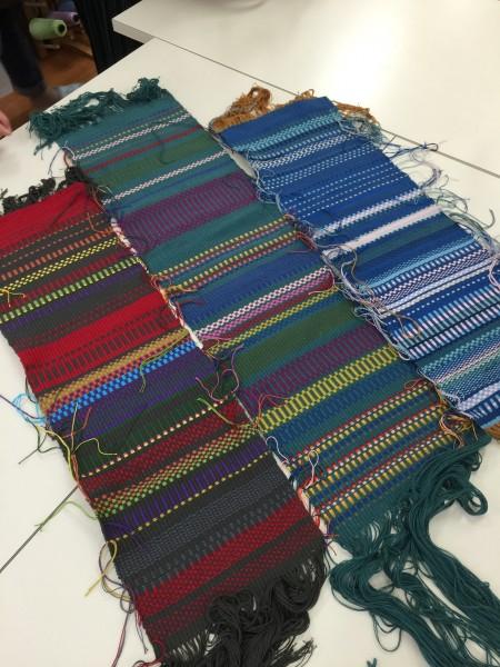 時間をかけてやっと仕上がりました。何時もの織りと全然違って新鮮✨バックに仕上がるのが楽しみですね〜